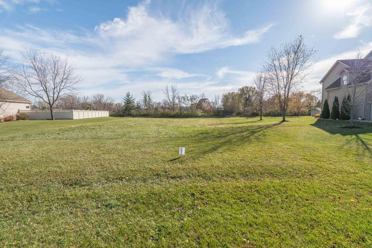 1055 Prairie View Drive - Photo 1