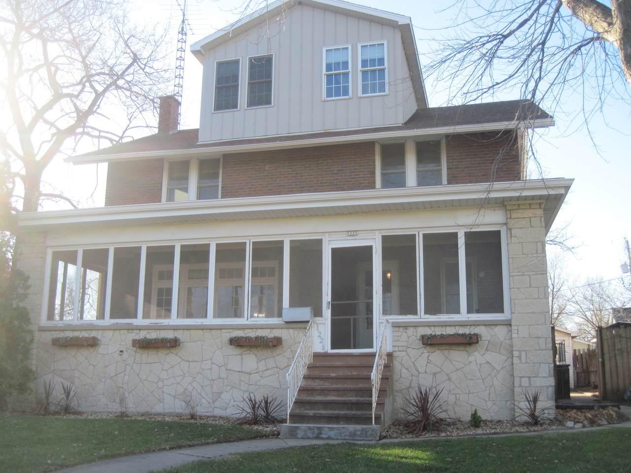 1221 Marquette Street - Photo 1