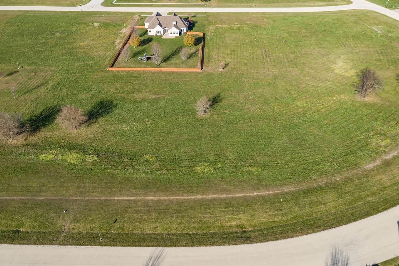1020 Prairie View Drive - Photo 1