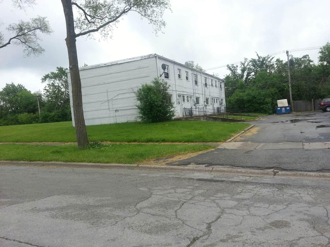 484 Hickory Street - Photo 1