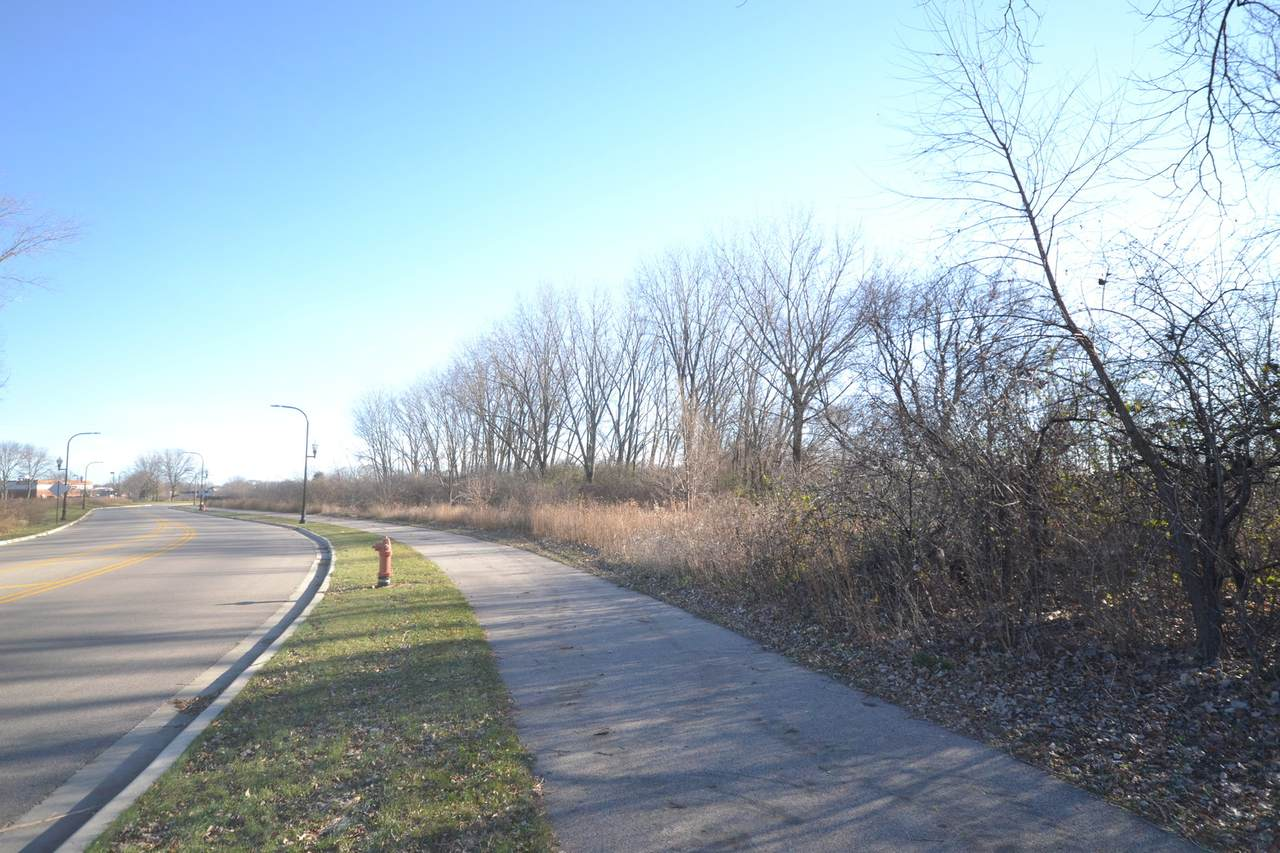 002 Prairie Shore Drive - Photo 1
