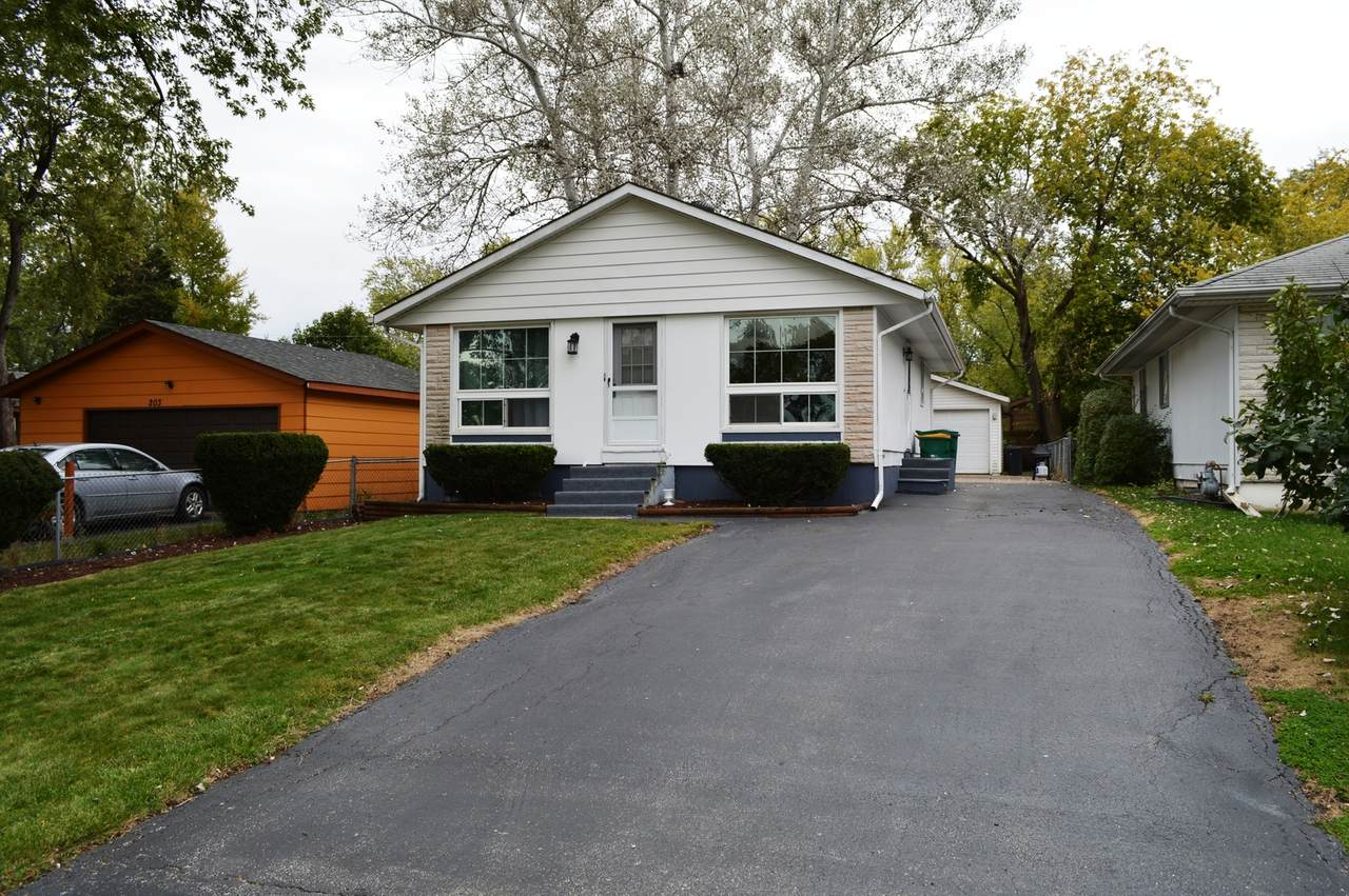 207 Golfview Drive - Photo 1
