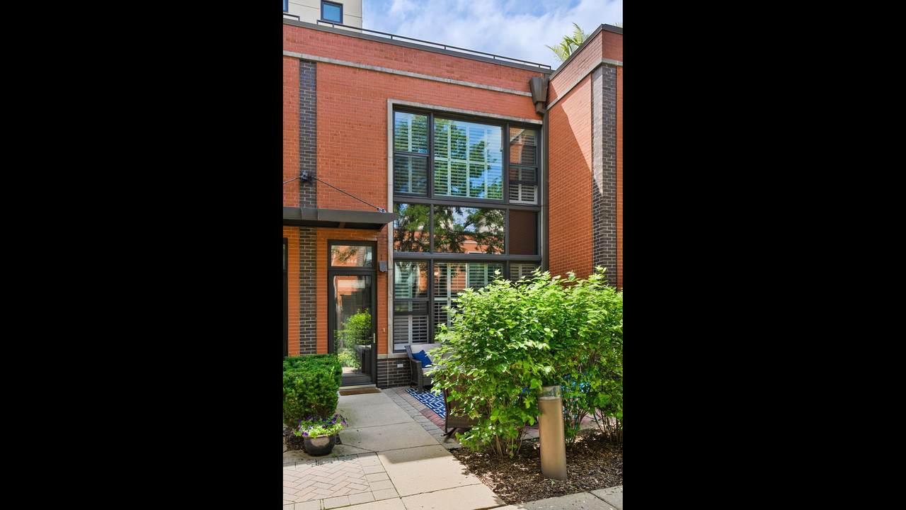 944 Howe Street - Photo 1