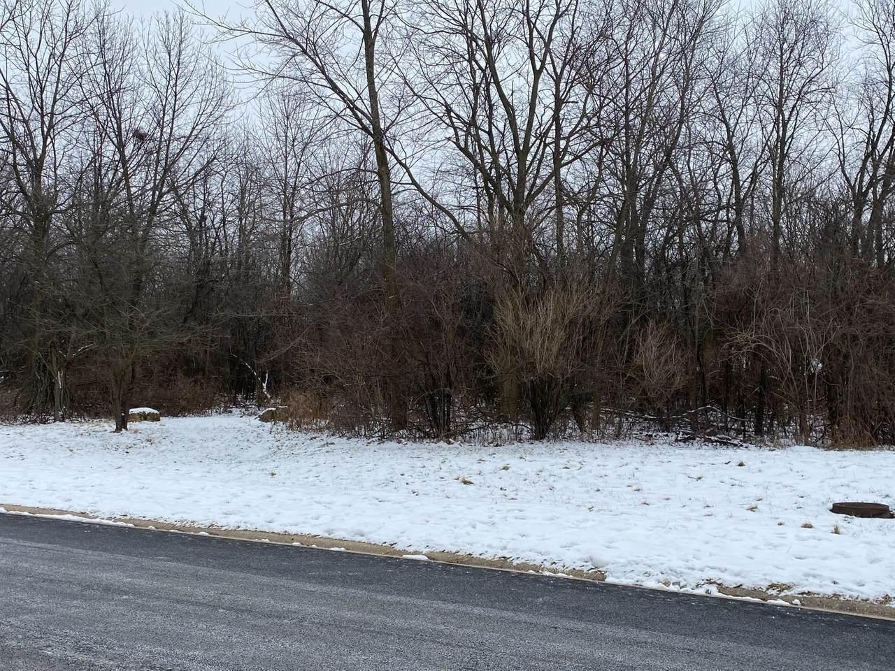 712 Wildwood Drive - Photo 1