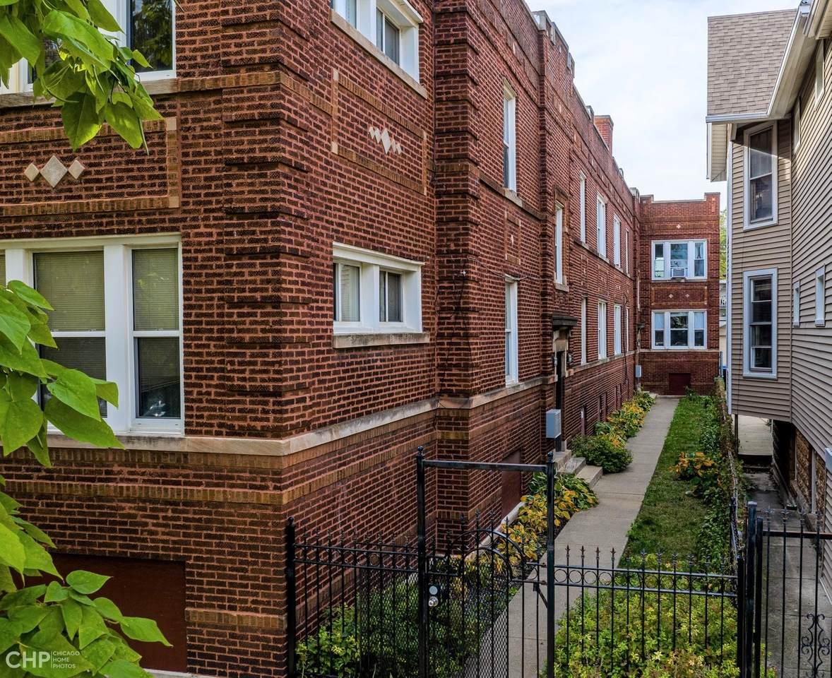 2838 Albany Avenue - Photo 1