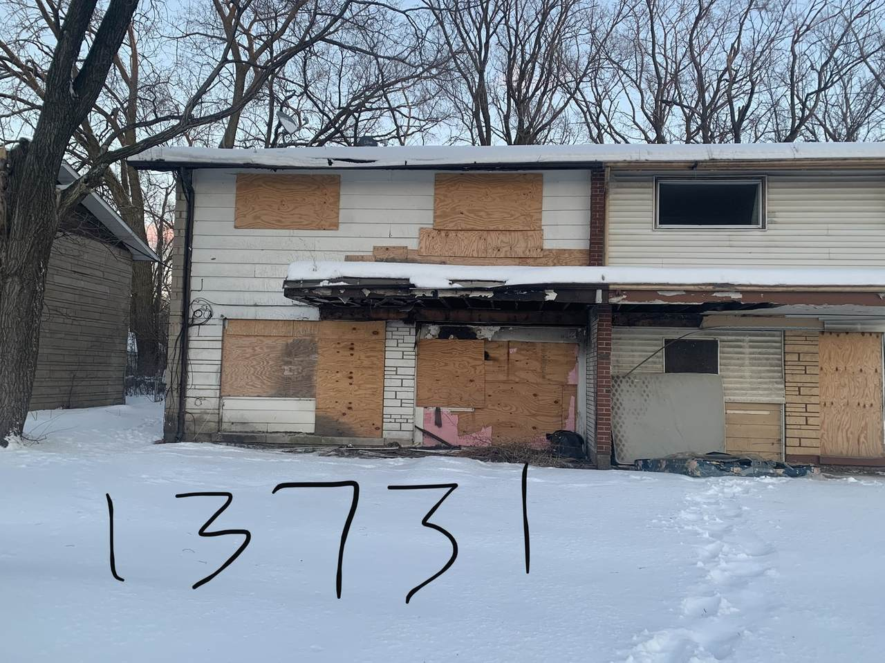 13731 Wallace Avenue - Photo 1