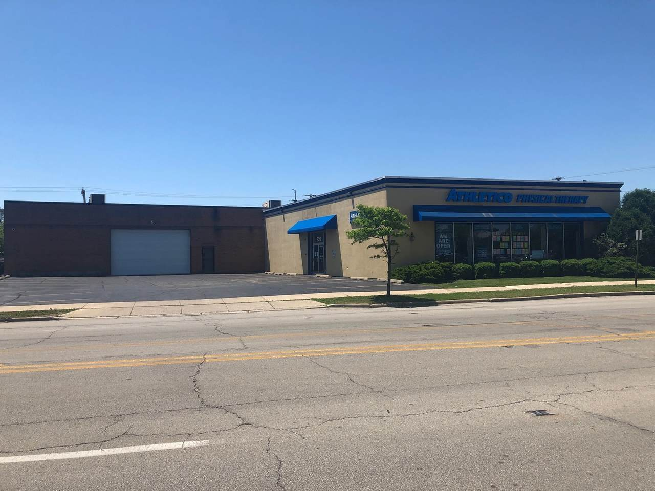 320 Busse Highway - Photo 1