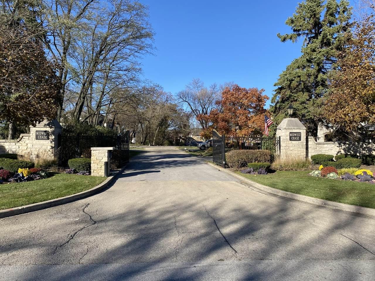202 Roslyn Road - Photo 1
