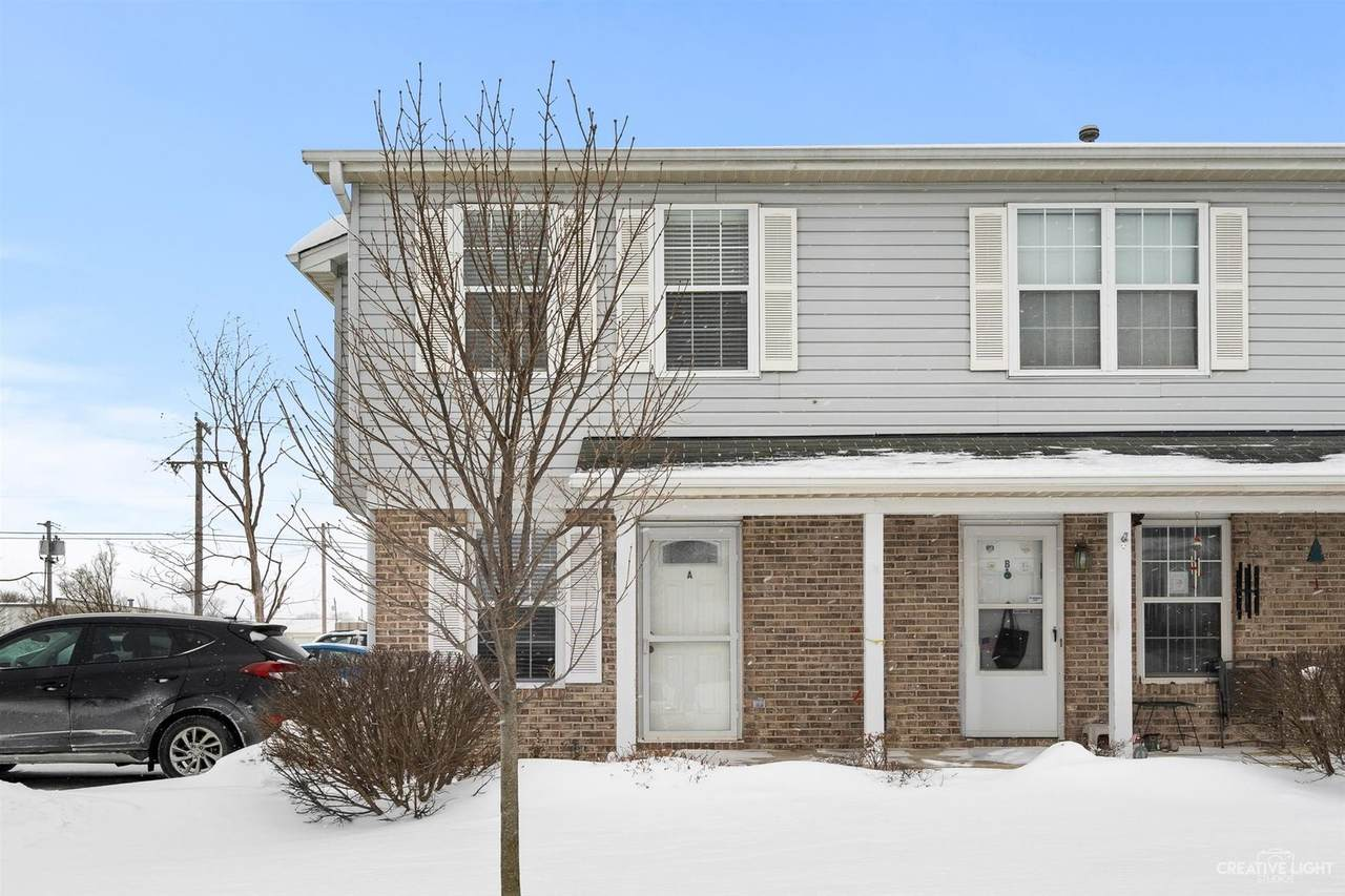 114 Colonial Parkway - Photo 1