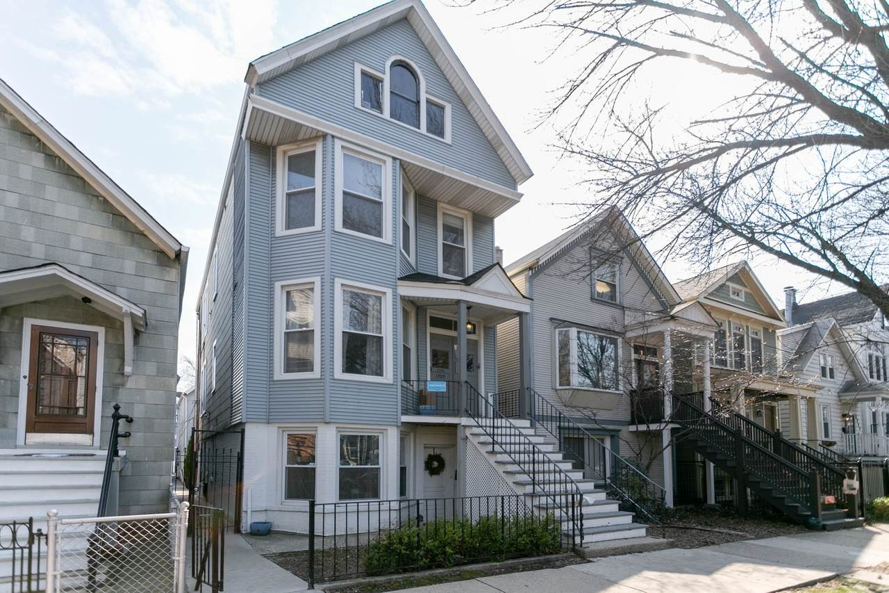 1709 Barry Avenue - Photo 1