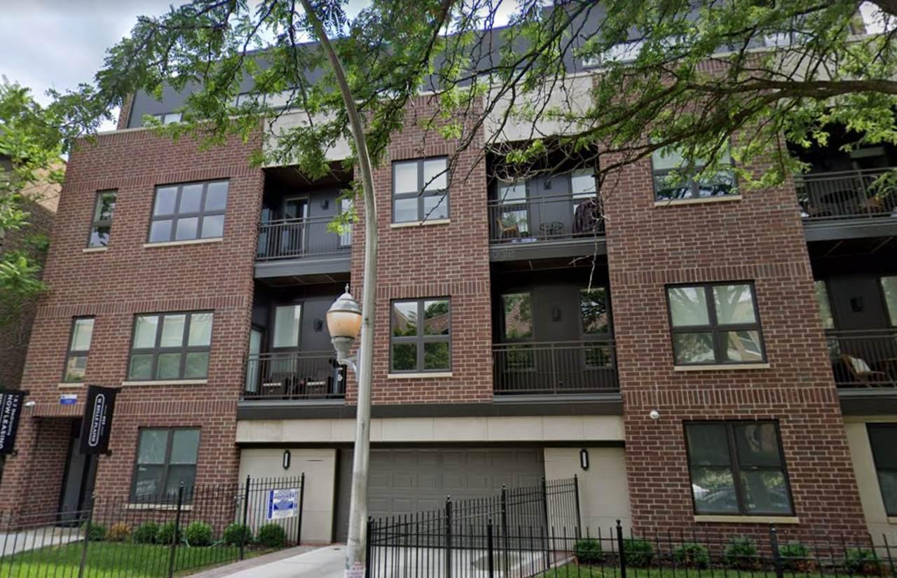 933 Belle Plaine Avenue - Photo 1