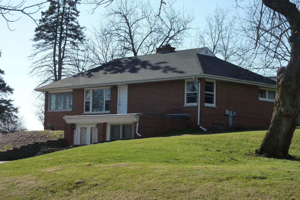 39W753 Prairie Street - Photo 1