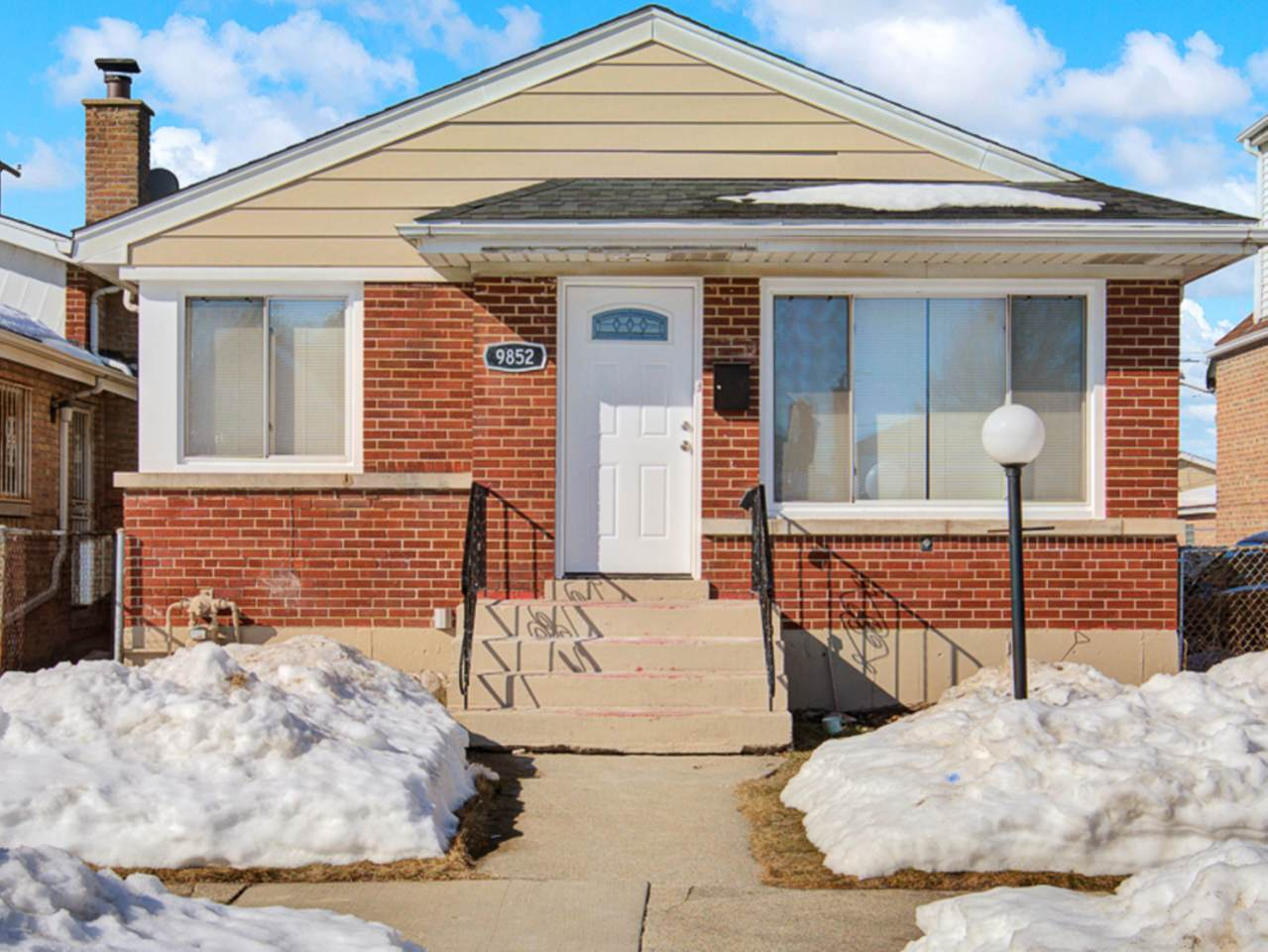 9852 Forest Avenue - Photo 1