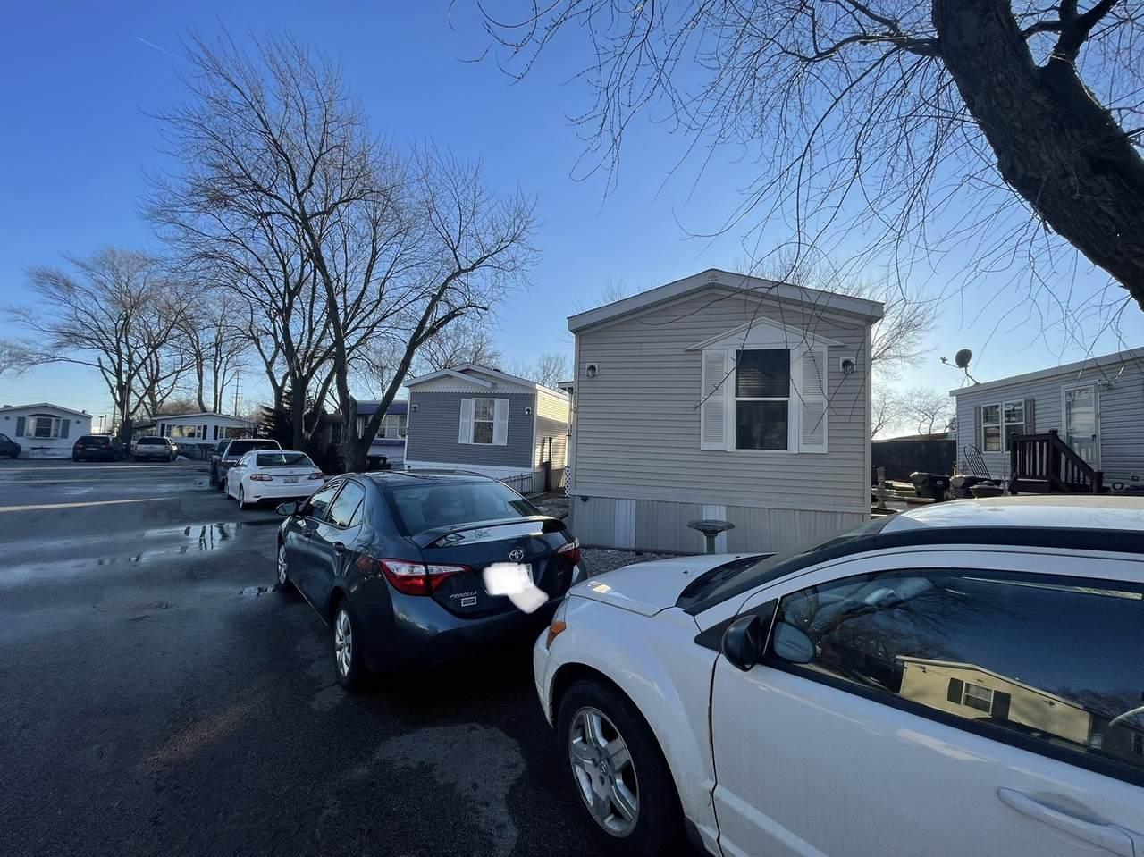 428 Touhy Avenue - Photo 1