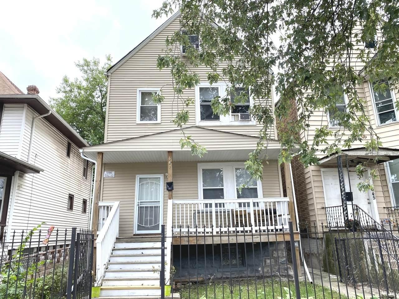 647 Lorel Avenue - Photo 1