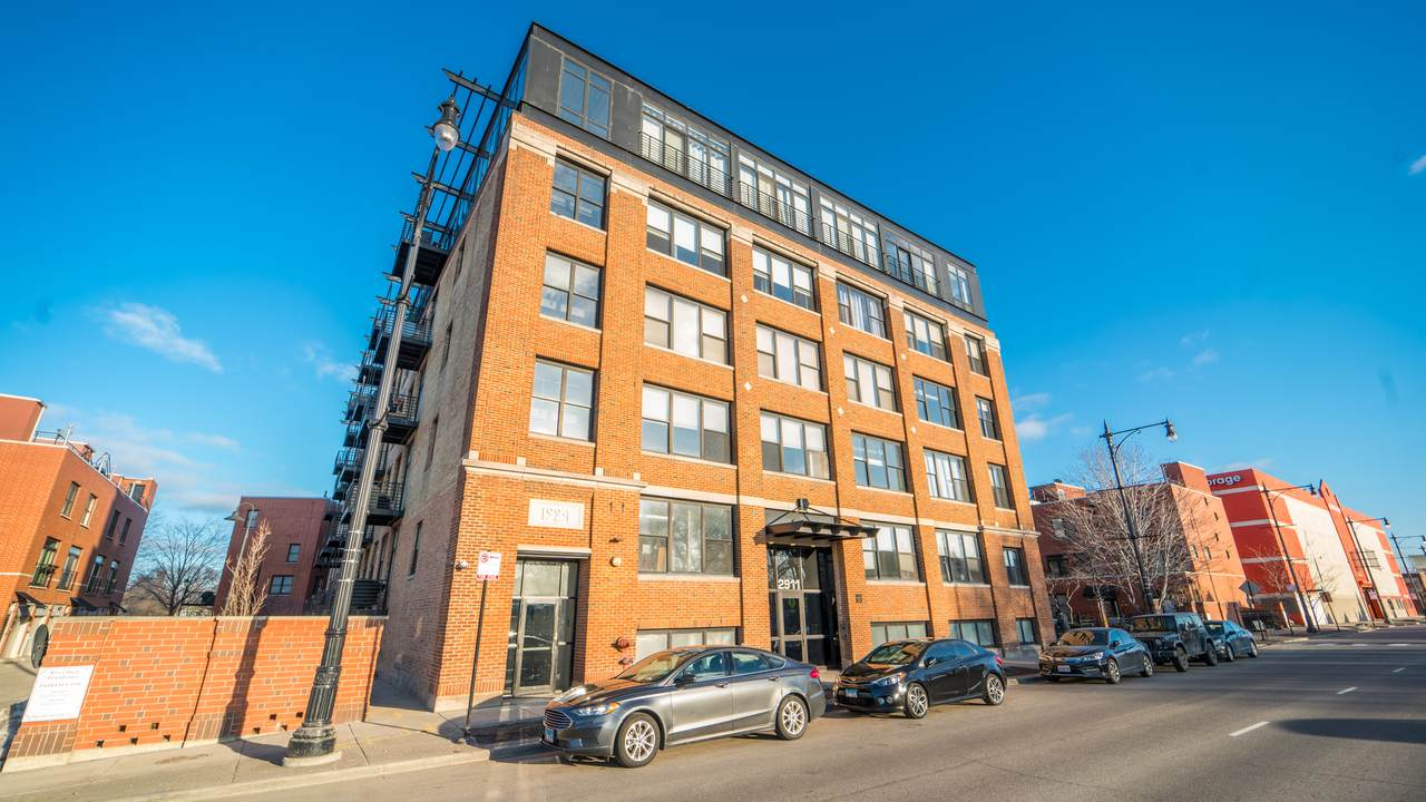 2911 Western Avenue - Photo 1