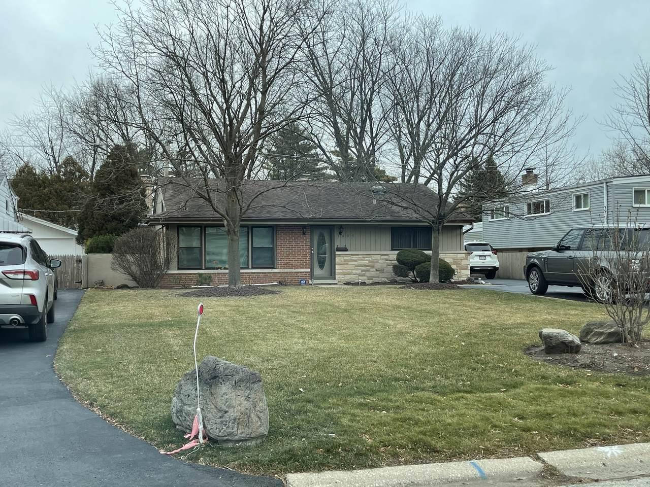 1437 Ferndale Avenue - Photo 1