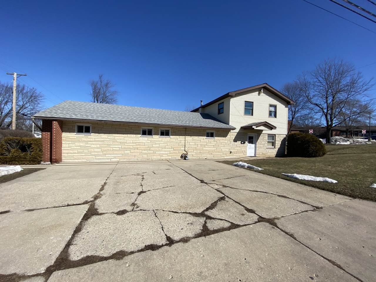 1701 Papoose Road - Photo 1