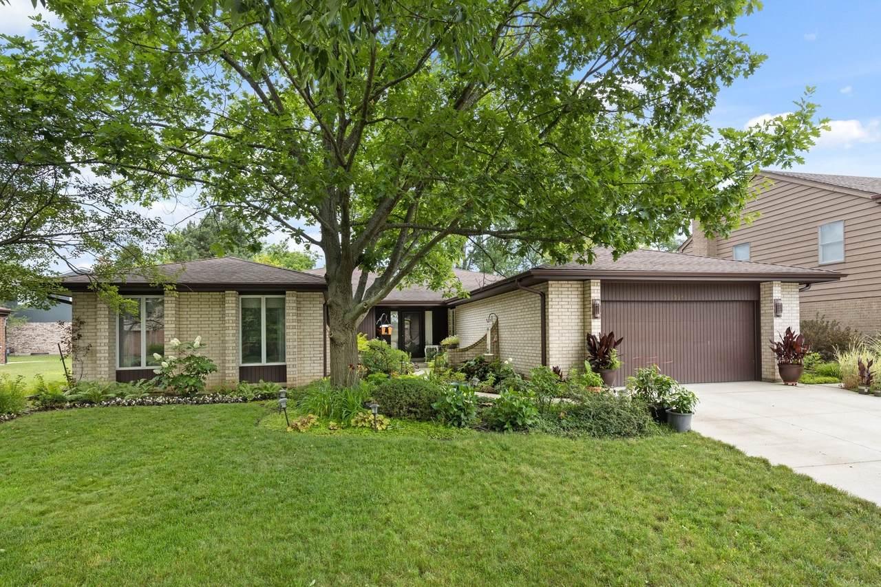 335 Oak Knoll Terrace - Photo 1