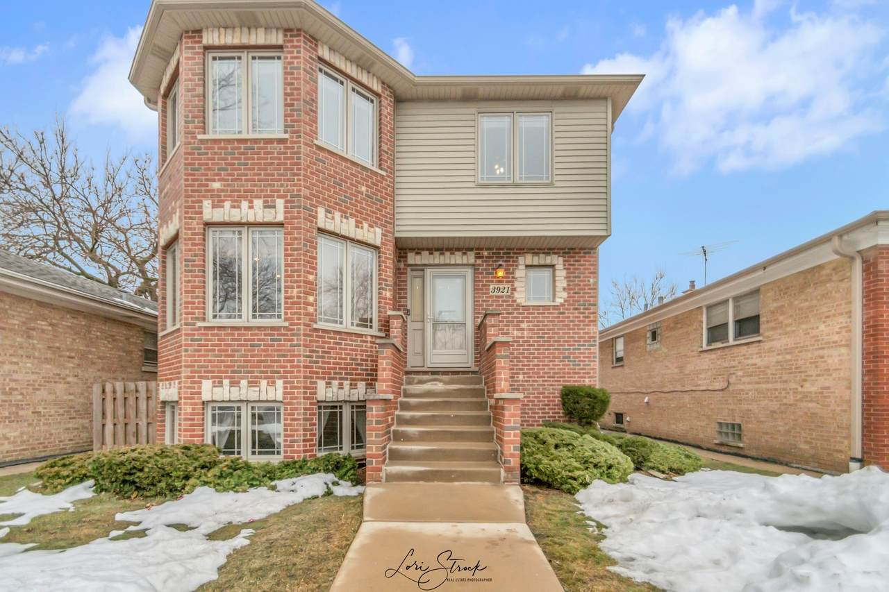 3921 Clarence Avenue - Photo 1