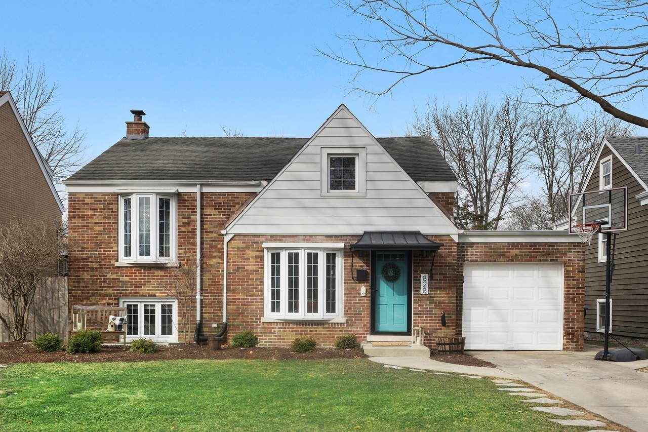 828 Forest Road - Photo 1