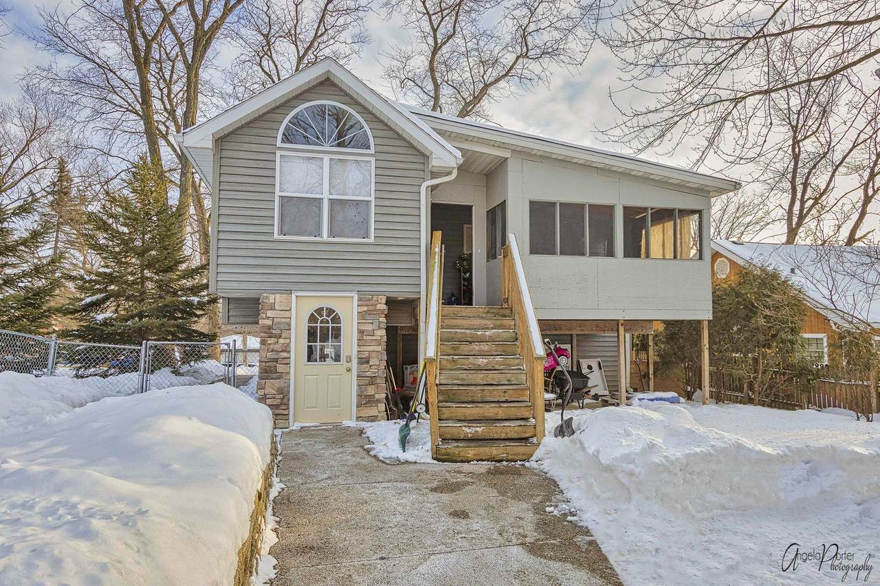 25042 Forest Drive - Photo 1