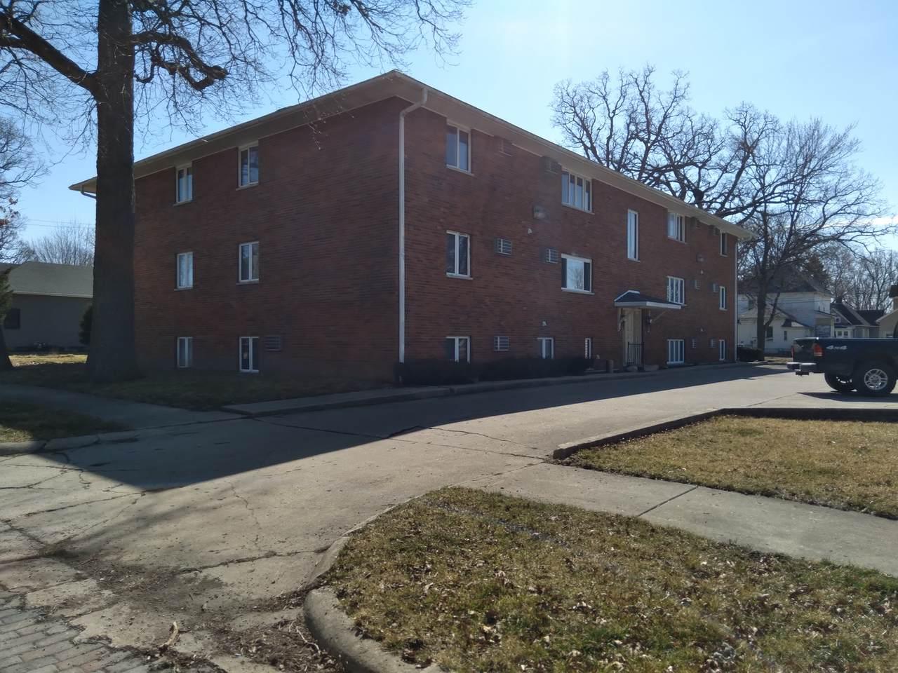 209 6th Street - Photo 1