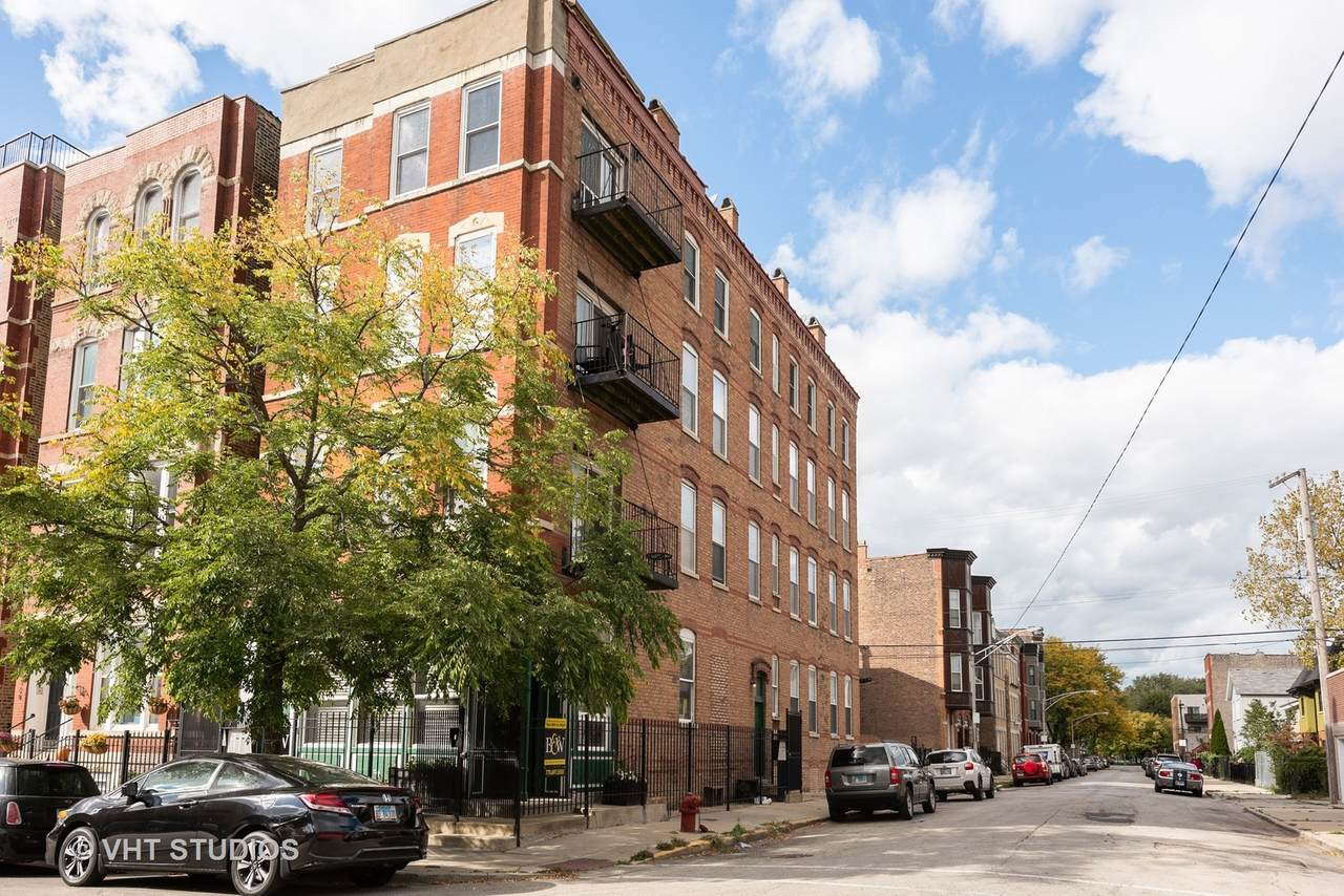 1322 Huron Street - Photo 1