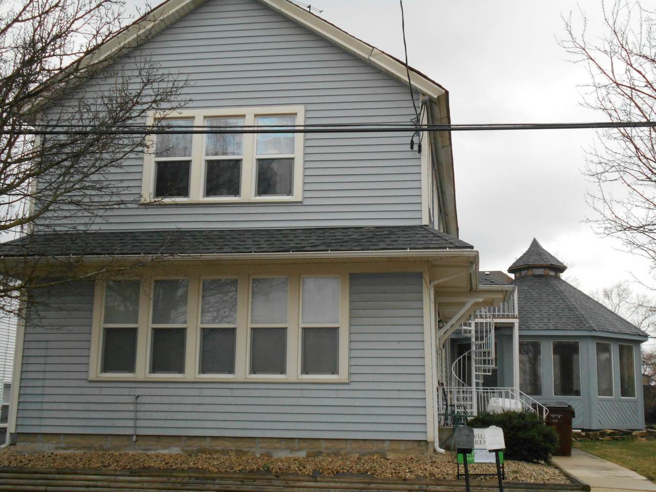 10928 Front Street - Photo 1