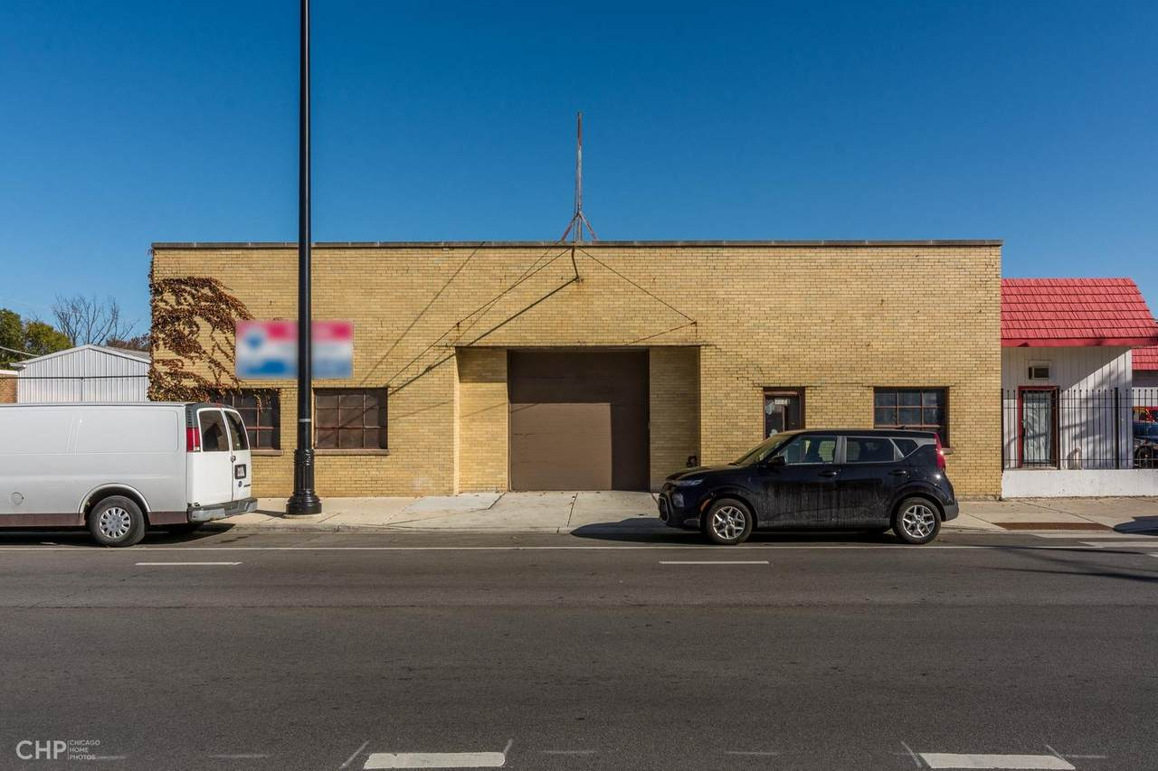 3527 Milwaukee Avenue - Photo 1