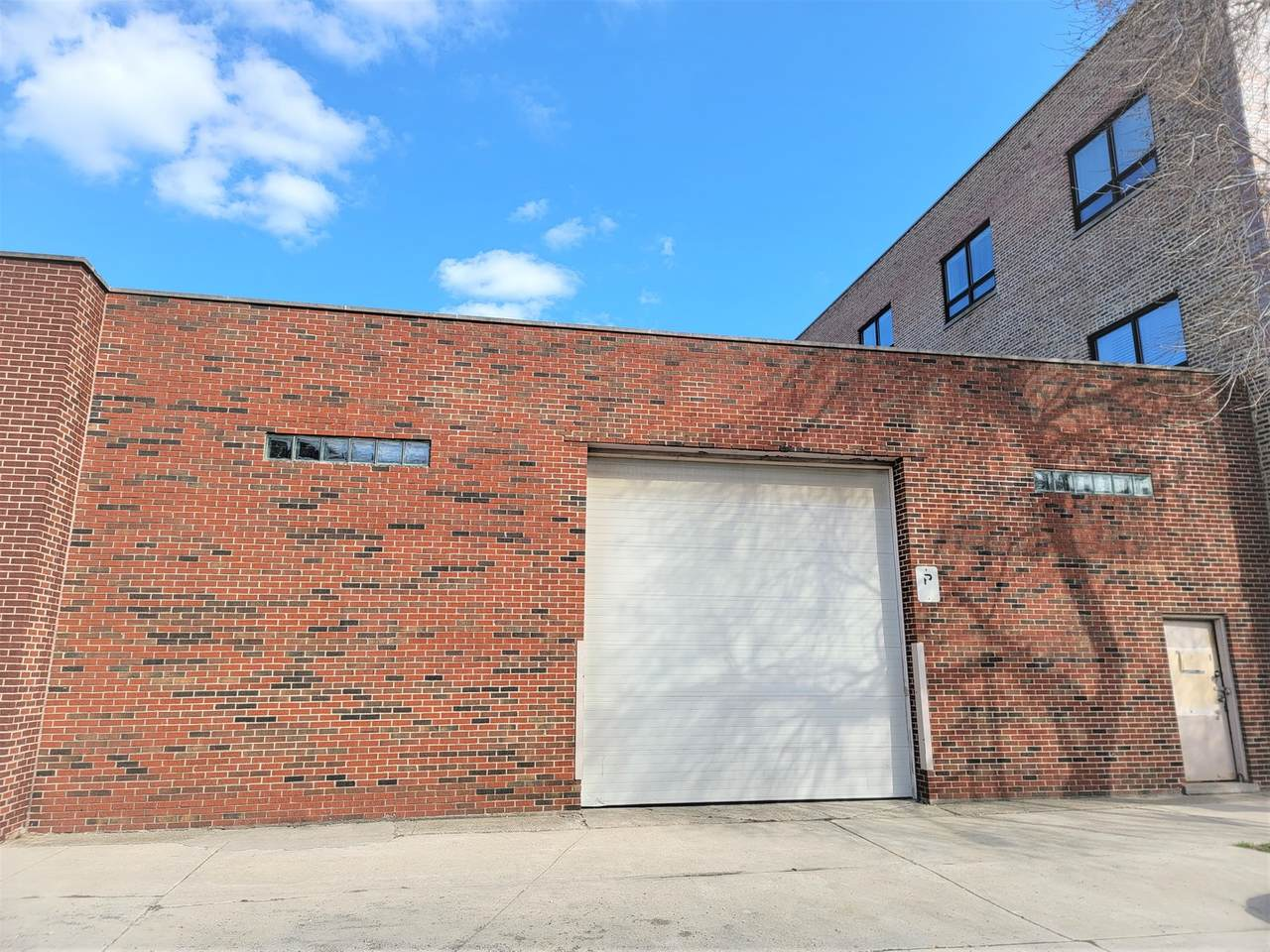 3245-47 Shields Avenue - Photo 1