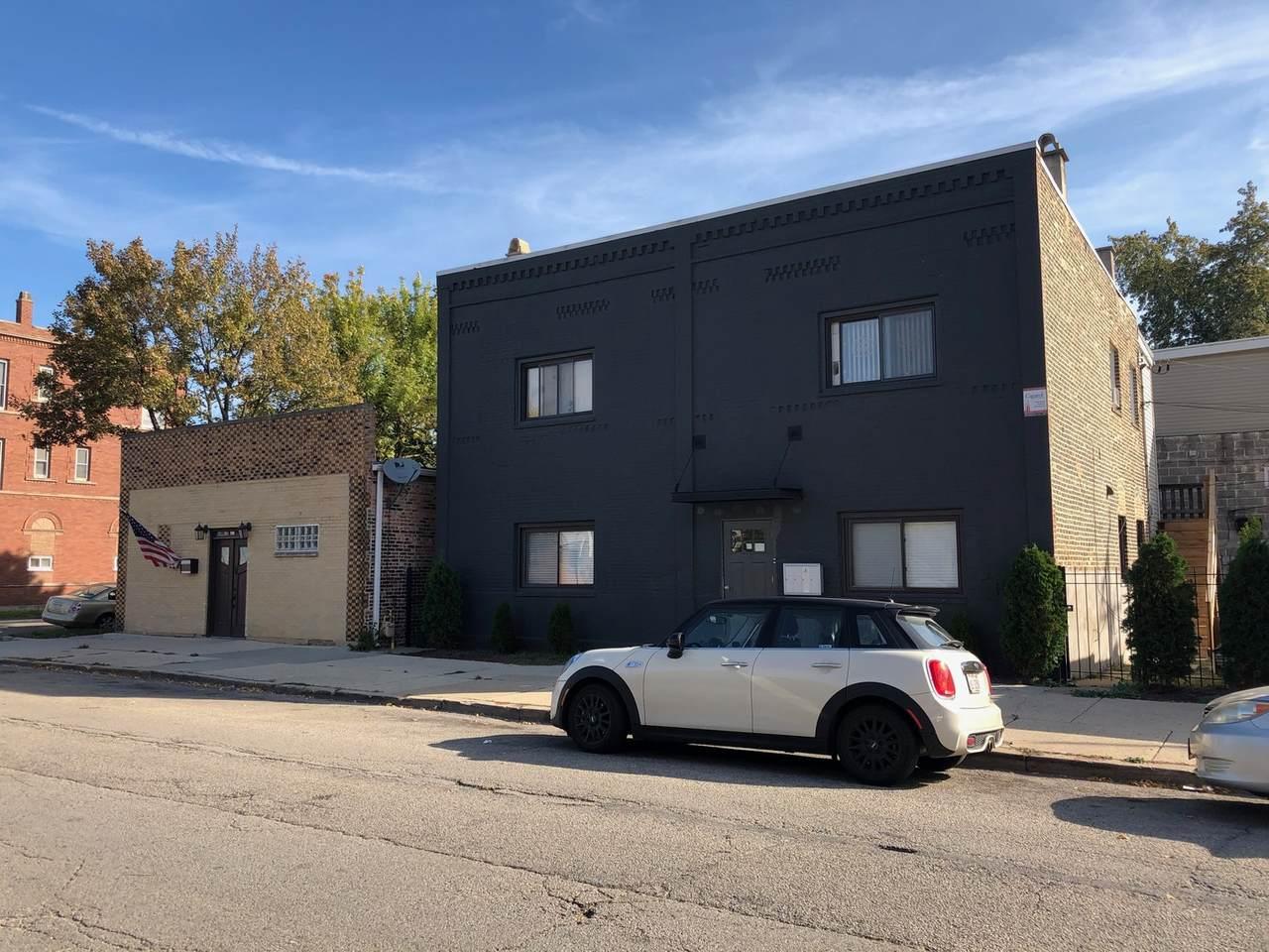 2401 Leavitt Street - Photo 1
