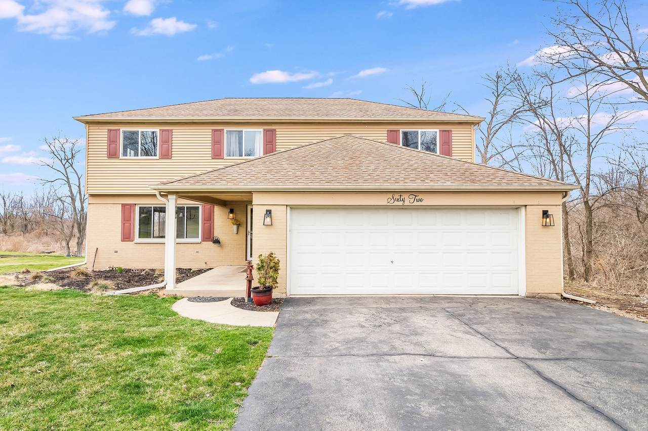 62 Countryview Drive - Photo 1