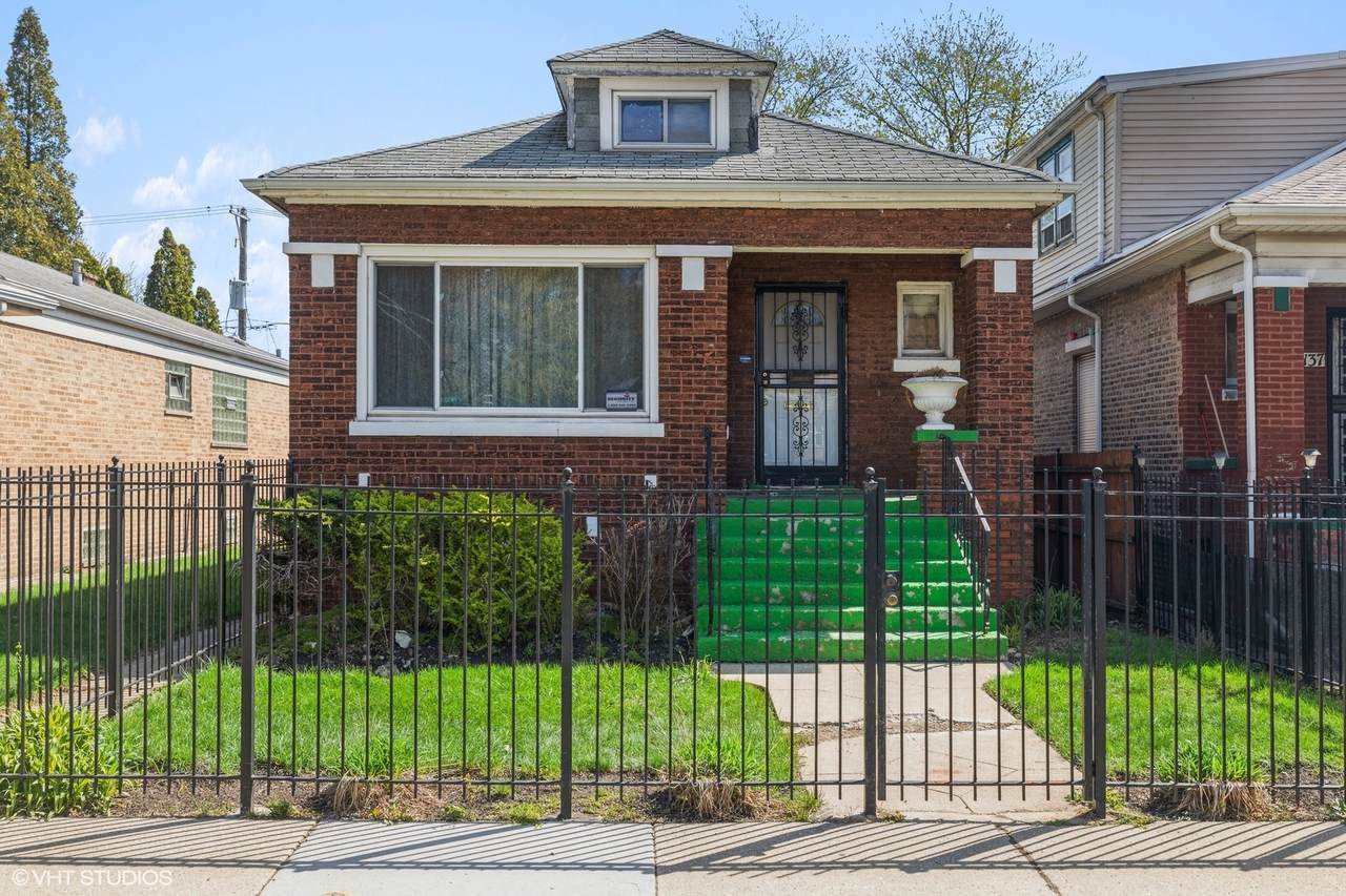 8133 Woodlawn Avenue - Photo 1