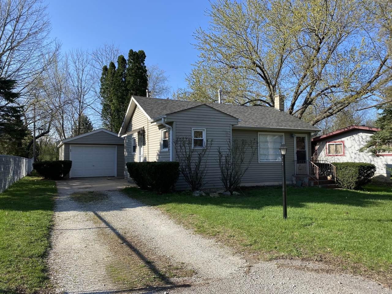 2505 Oakdale Terrace - Photo 1
