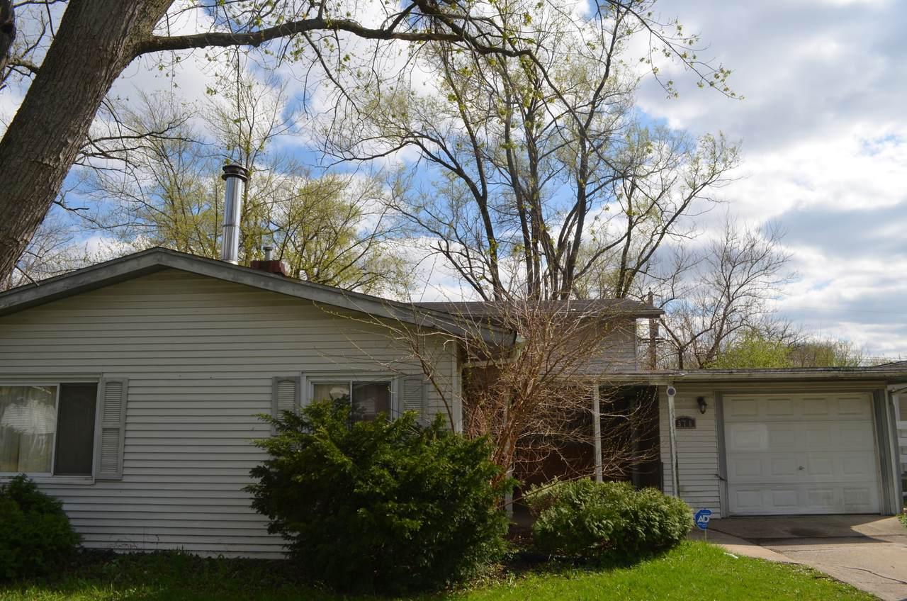 576 Saratoga Drive - Photo 1