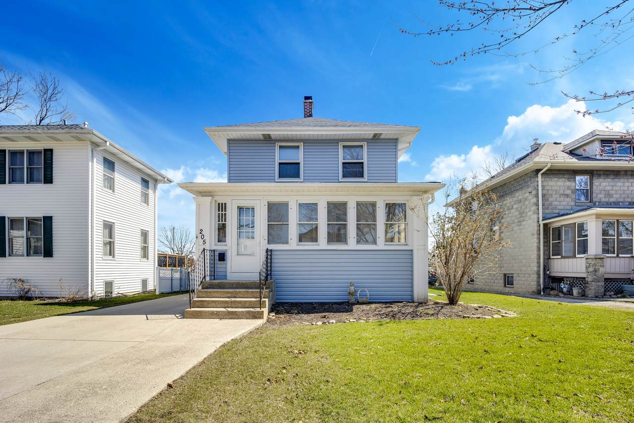 205 Lombard Avenue - Photo 1