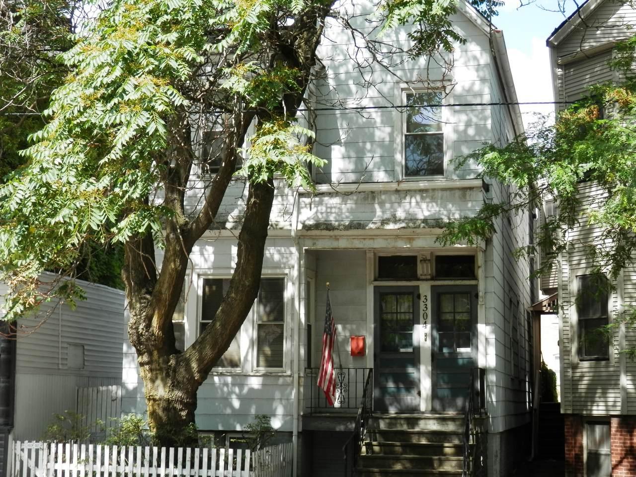 3304 Southport Avenue - Photo 1