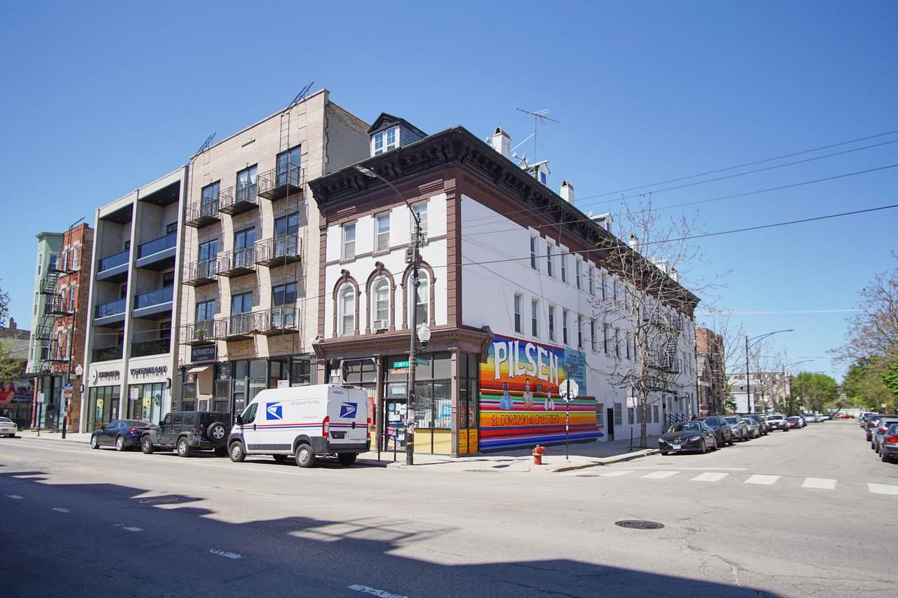 1714 Carpenter Street - Photo 1