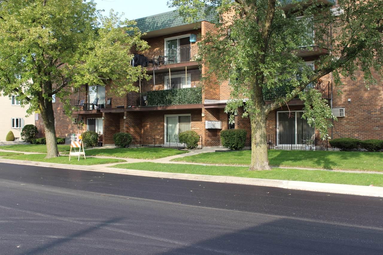 10611 Parkside Avenue - Photo 1