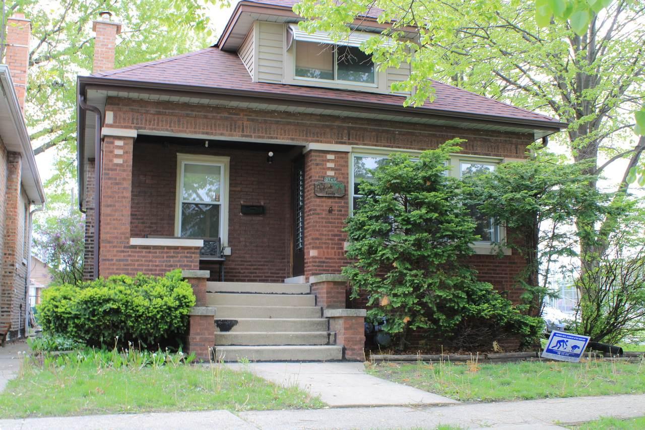 2747 Euclid Avenue - Photo 1