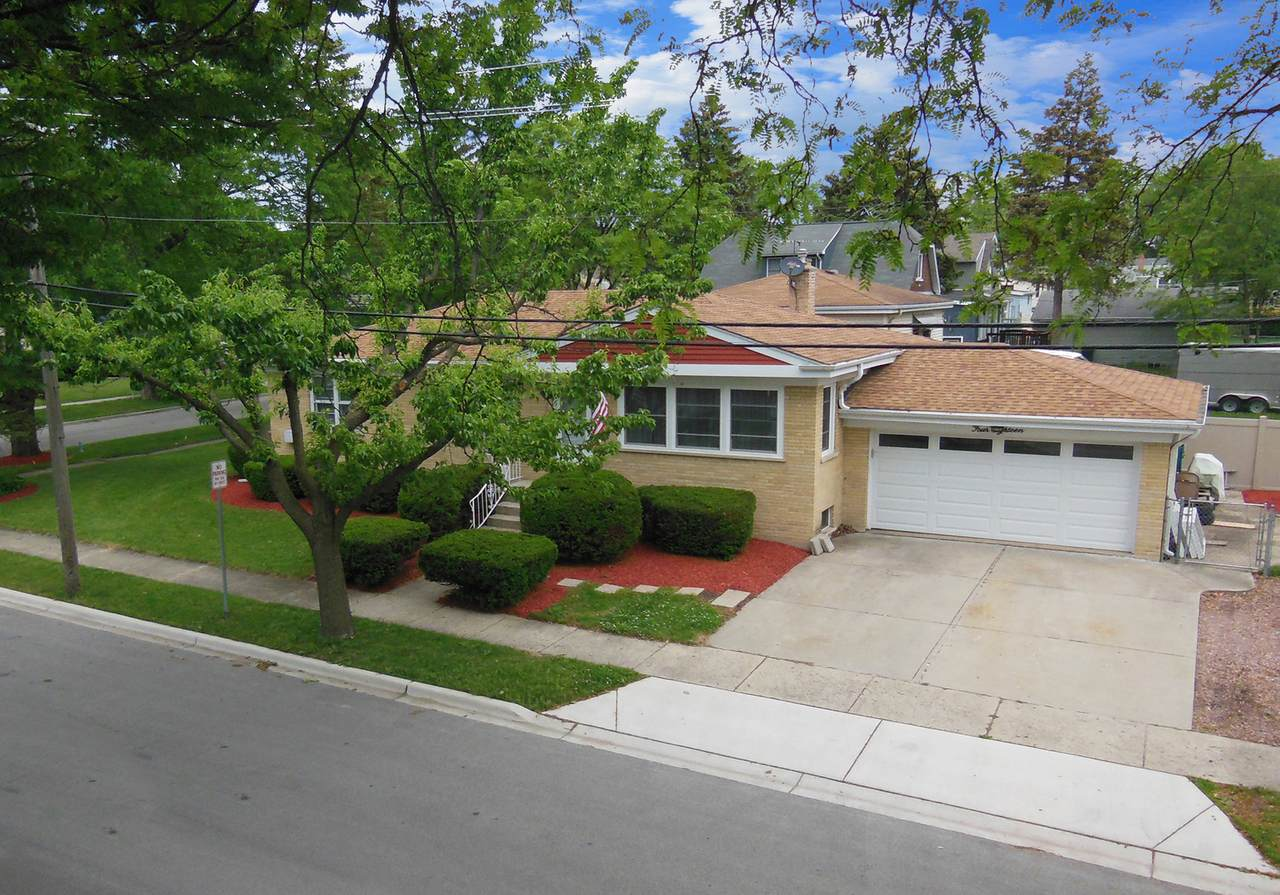 418 Holly Court - Photo 1