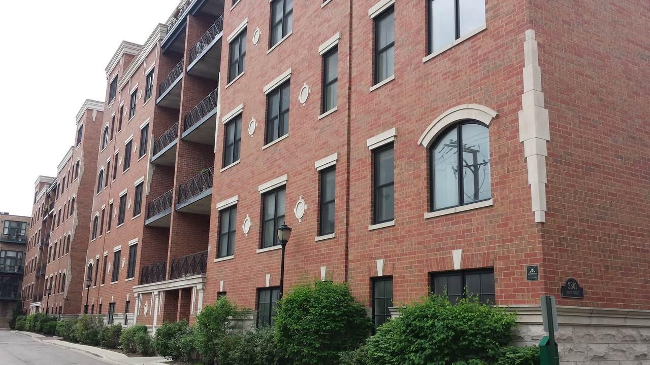 2801 Oakley Avenue - Photo 1