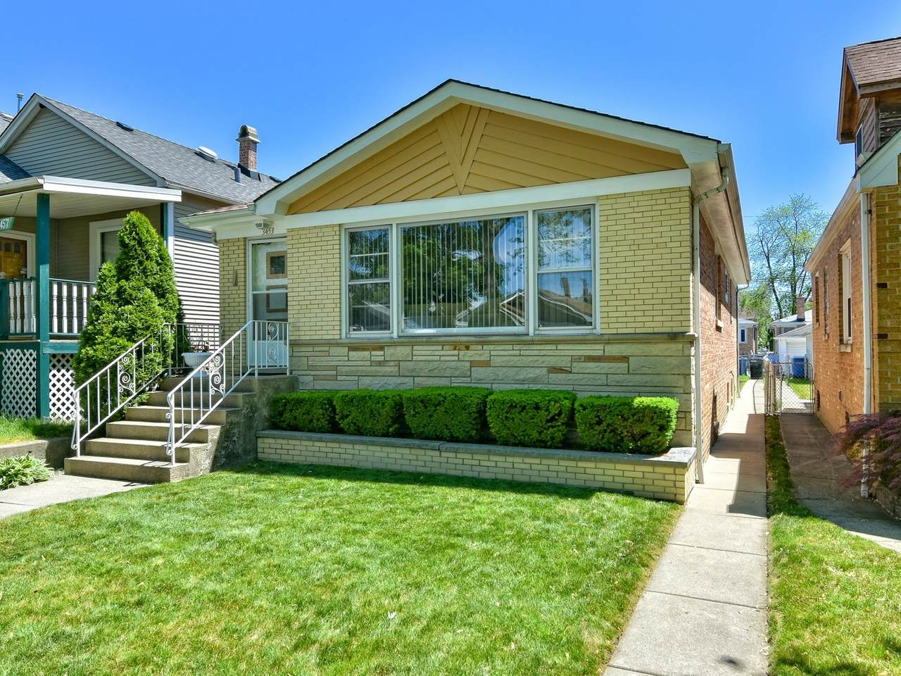 3453 Rutherford Avenue - Photo 1