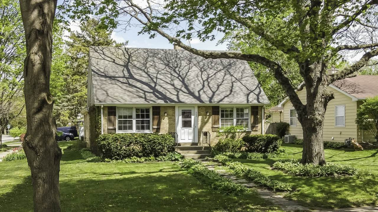 203 Forest Avenue - Photo 1