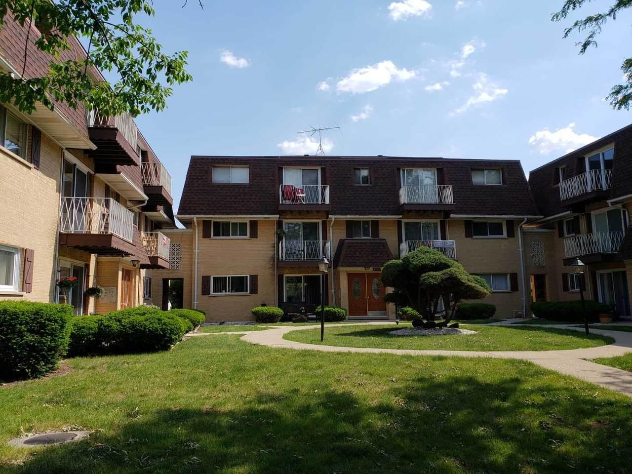 8533 Rascher Avenue - Photo 1