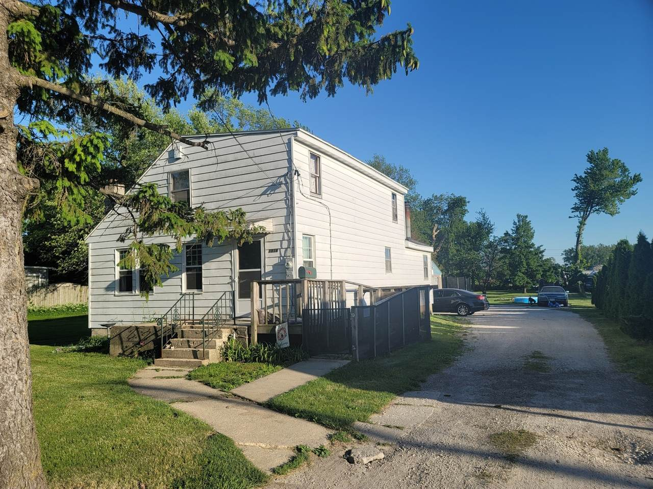 1816 Lincoln Highway - Photo 1