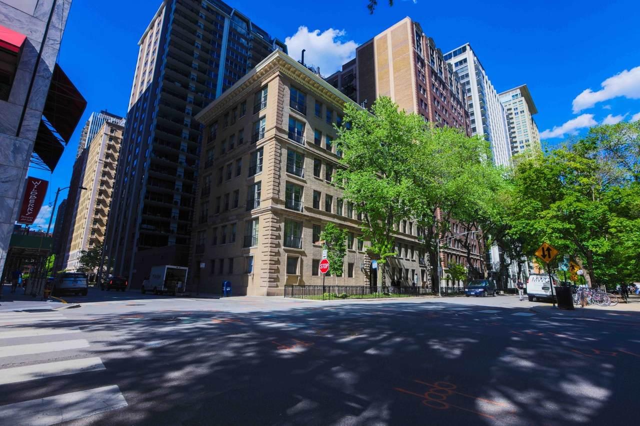 200 Pearson Street - Photo 1