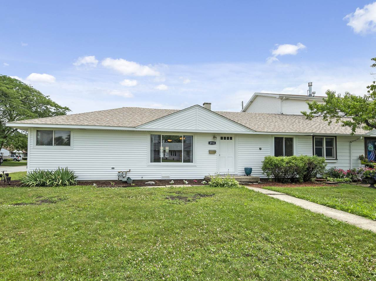 8733 Beck Place - Photo 1