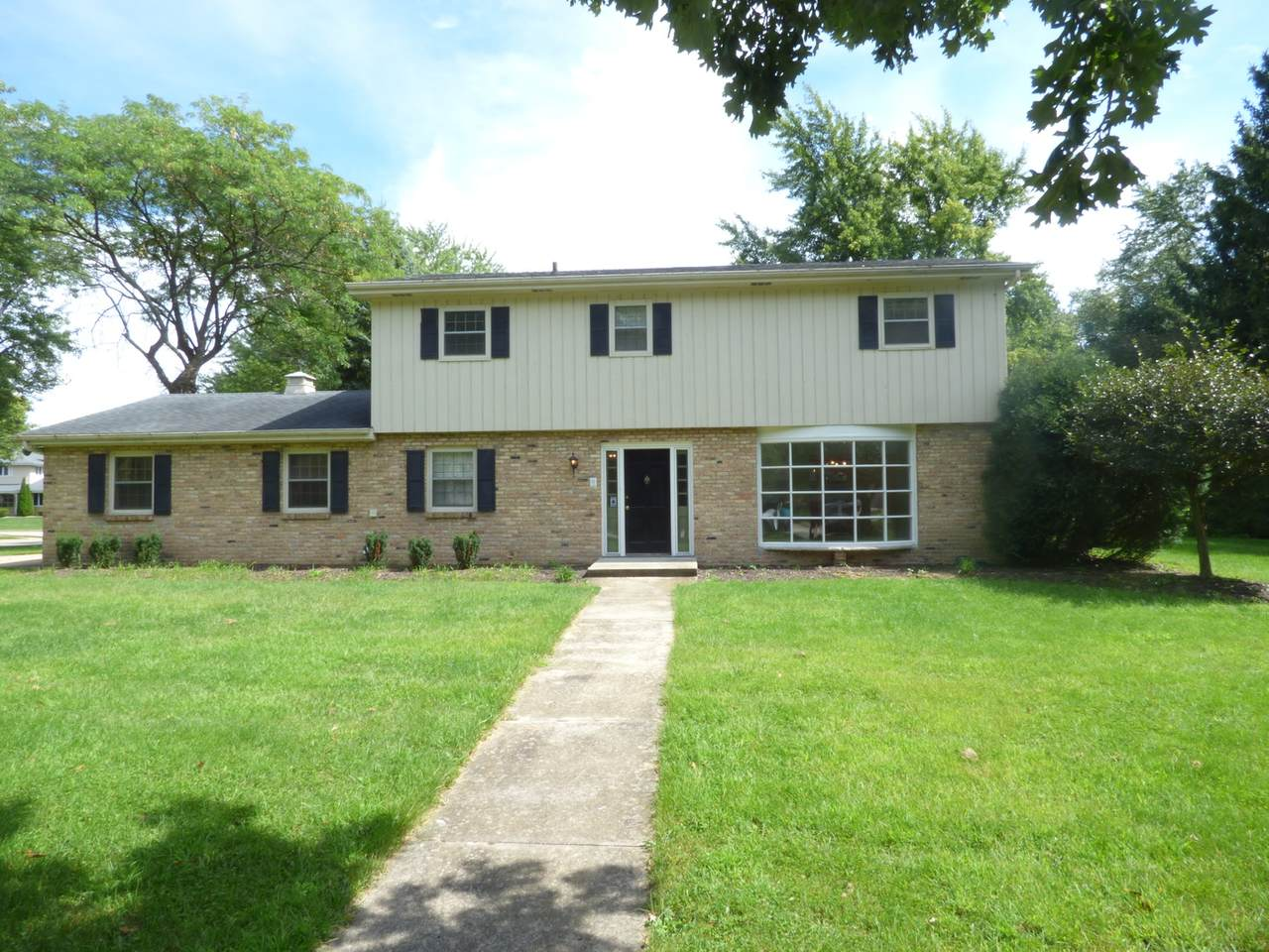 3306 Coventry Court - Photo 1